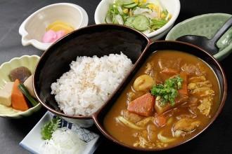 人気No.1「カレーうどん定食」