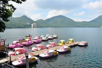 湖周辺にはボート乗り場が数か所あります。