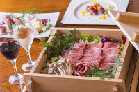 日本ワインと合わせて楽しむ