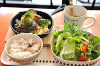 野菜豊富なランチメニュー