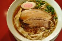 にぼし香る鶏×豚ダブルスープ!