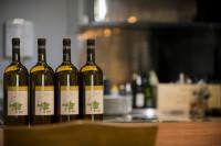 ワインは常時数十種類ご用意