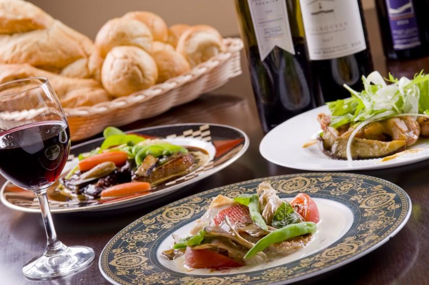 国産食材を中心とした季節感あふれる欧風料理