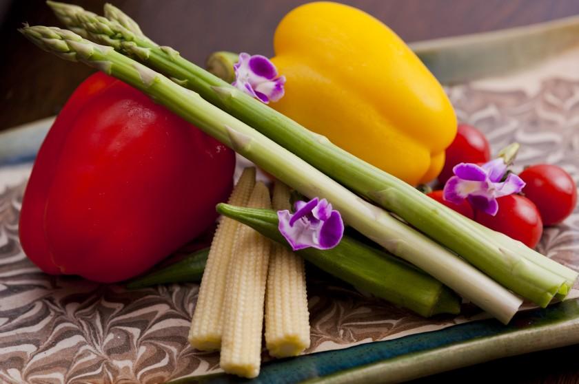 農家から直接仕入れる地産地消スタイルの野菜
