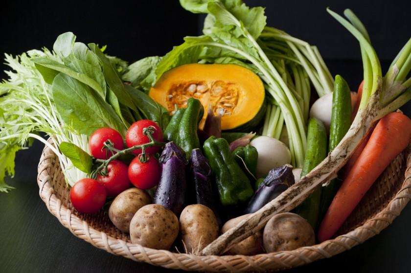 自家栽培した有機野菜を使した健康的な料理