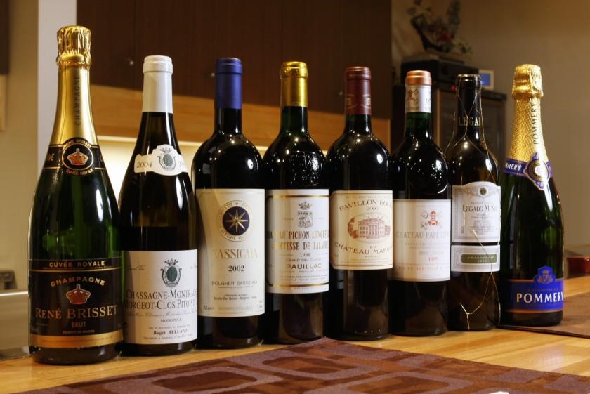 常時80種類を超えるワインの品揃え