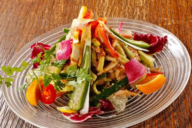 新鮮魚介と本格中華料理が楽しめる