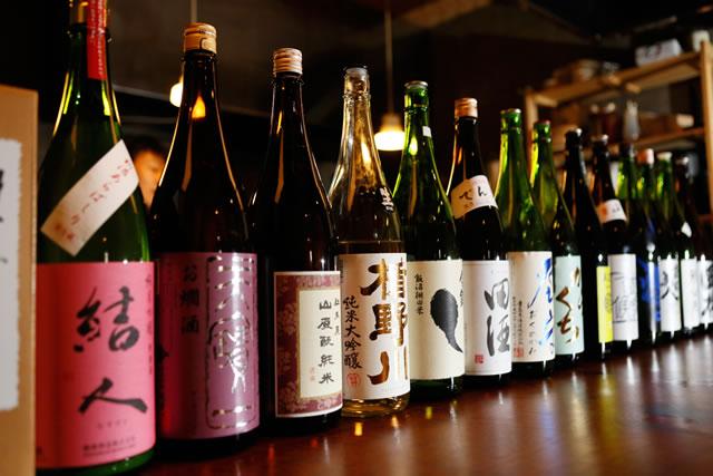 辛口スッキリ、料理に合わせた日本酒の品揃え