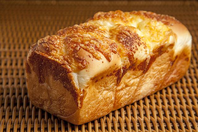 とろけるチーズブレッド